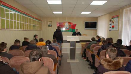 В Гомеле открыто судили 20-летнего уклониста от службы в армии