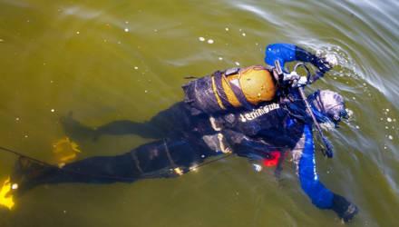 Две смерти на Гомельщине: мужчина вышел из дома пьяным и не вернулся – тело нашли на дне Нарочи, другой гулял с собакой и утонул в реке глубиной 60 см