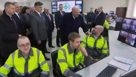 Фото Лукашенко с «прижившимся» на Гомельщине египтянином Фади повезли президенту Египта