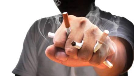 В Жлобине жители многоэтажки проснулись от истошных криков: оказалось, избивают парней, попросивших закурить