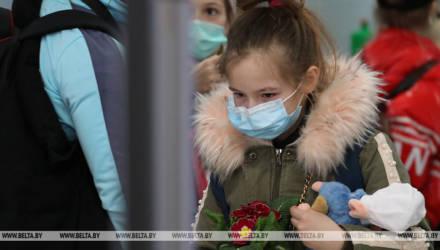 Три автобуса с белорусскими детьми вернулись из Латвии и поехали в Гомель