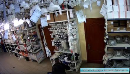 Вступил в силу приговор гомельского суда в отношении экс-кандидата в депутаты за кражу шпингалетов из строймагазина