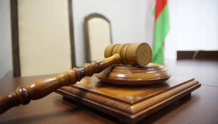 «Жду справедливости». В Гомеле судят учительницу, которая на уроке надорвала ухо 3-класснице