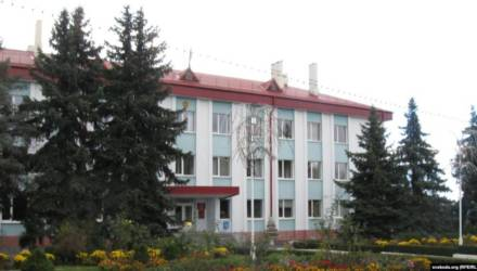 В Лельчицах с подозрением на коронавирус забрали директора хозяйства и сотрудников райисполкома