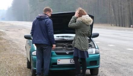 Соцэксперимент в преддверии 8 Марта: сколько в Гомельском районе остановятся водителей, чтобы помочь женщине?