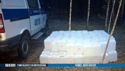 """Алкорекорд: на Гомельщине в лесу обнаружили более 1,5 тонн """"ничейной"""" спиртосодержащей жидкости"""