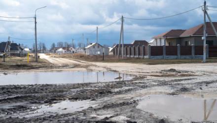 Как 3500 семей из самого благополучного гомельского района годами жалуются на отсутствие дорог и неустроенность