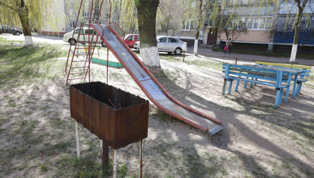 Одна из детских площадок обзавелась… мангалом