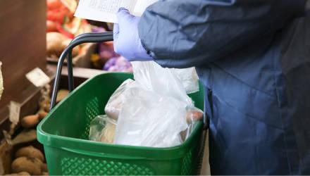 Профсоюзы Гомельской области доставили продукты и медикаменты 420 ветеранам