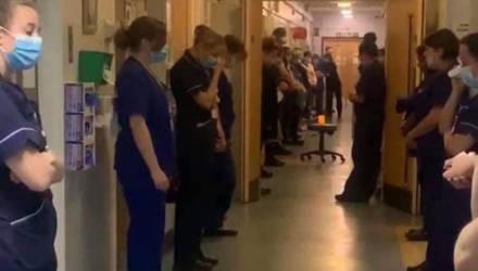 В роддоме узнали о смерти медсестры от CoViD-19, и это фото передаёт весь ужас происходящего