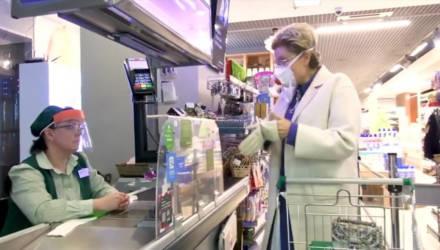 Малышева показала, как безопасно ходить в магазин во время пандемии коронавируса — видео