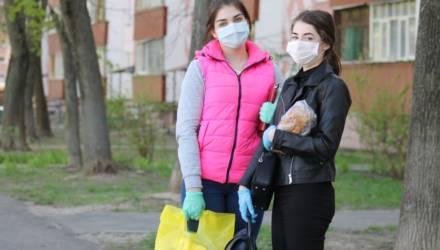 """Волонтёры ОАО """"Гомсельмаш"""" """"Открытые Сердца"""" активно помогают пожилым людям"""