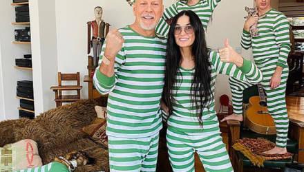 Брюс Уиллис и Деми Мур во время самоизоляции устроили семейную фотосессию