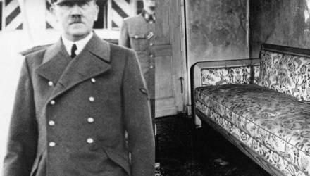 «Шеф горит! Хочешь взглянуть?»: впервые обнародованы неизвестные подробности смерти Гитлера