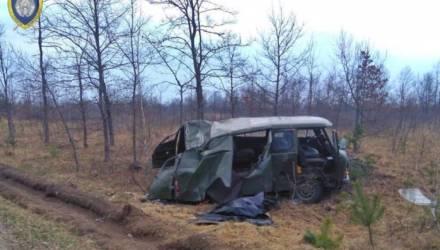 В Петриковском районе УАЗ вылетел в кювет и перевернулся: один человек погиб, два — в больнице