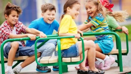 Более 10 детских площадок обустроено в Гомеле при поддержке депутатов в 2019 году