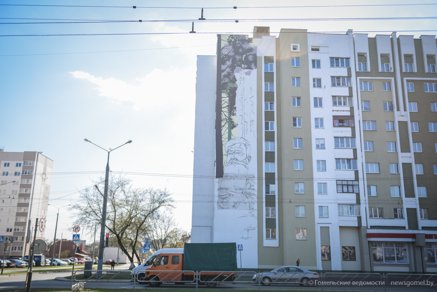 Мурал с портретом Емельяна Барыкина создаётся в Гомеле