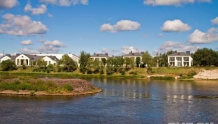 Лукашенко рассказал о своём доме у Припяти. А вот так выглядит резиденция на берегу этой реки