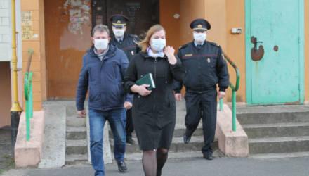 Двоих жителей Ельского района оштрафовали на 810 рублей за нарушение самоизоляции