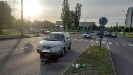 В Гомеле ищут очевидцев ДТП с участием женщины-водителя и девушки-пешехода. Последняя попала в реанимацию