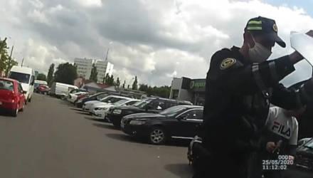 В Гомеле и Речице сотрудники ГАИ пришли на помощь водителям