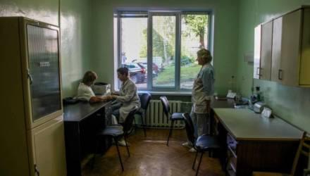 «По указу — 2000, по факту — 150 рублей». Медики рассказали о своих надбавках за работу с COVID-19