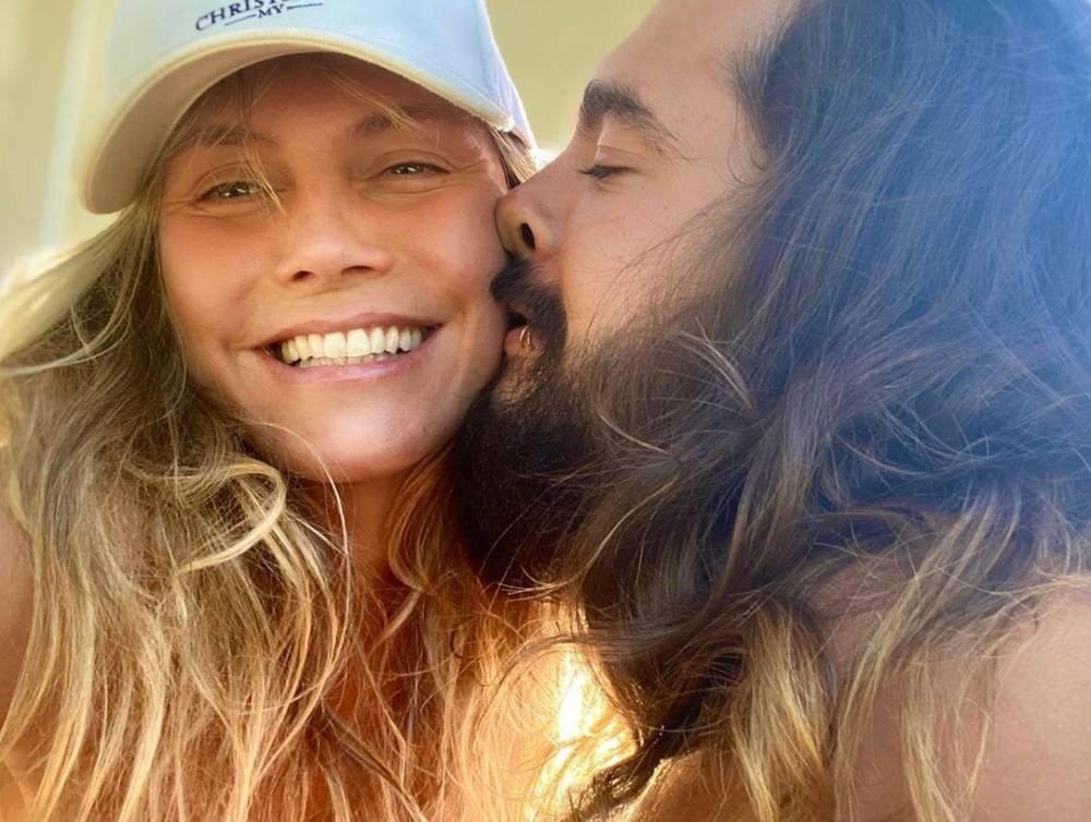 46-летняя Хайди Клум обнажилась перед камерой, показав, как она развлекалась с мужем на выходных