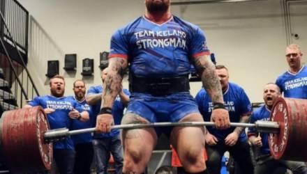 Гора из «Игры престолов» поднял штангу весом 501 кг, обновив мировой рекорд