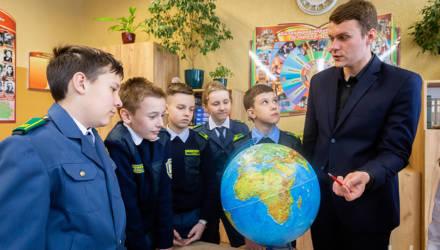 У ребёнка должен быть момент успеха, считает учитель года Гомельской области Вадим Лосев
