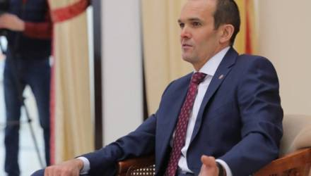 Уволенный за утрату доверия глава Чувашии подал в суд на Путина... и слёг с двусторонней пневмонией