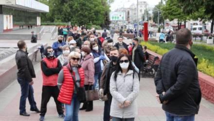 Что говорили гомельчане, которые стояли в очереди, чтобы подписаться за Тихановскую (видео)