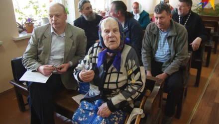 «Это позорный суд!»: Гомельская епархия и сельские бабушки спорят за чудотворную икону, в суде звучат то ругань, то слёзы