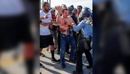 Водителем грузовика, таранившим толпу в Миннеаполисе, был украинец. Вот что о нём известно