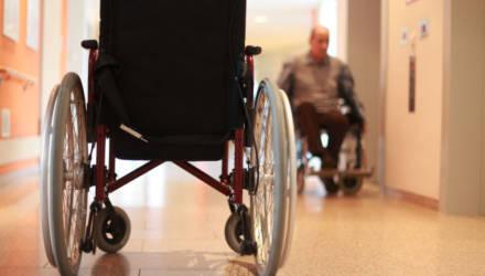 На Гомельщине родственники инвалидов использовали фиктивные чеки для получения адресной помощи. Возбуждено дело