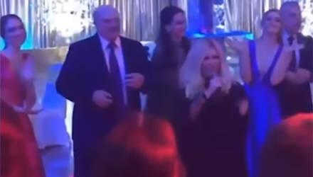 Лукашенко на балу выпускников танцевал под Таисию Повалий – видео