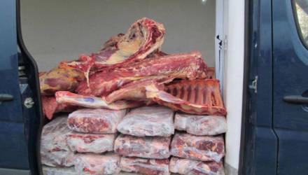На Гомельщине кладовщик райпо создавала излишки мяса, присваивала их и продавала по заниженным ценам