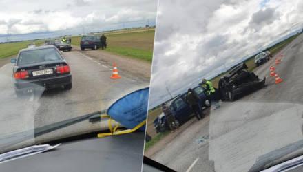 В результате лобового столкновения авто на Гомельщине скончалась женщина-пассажир