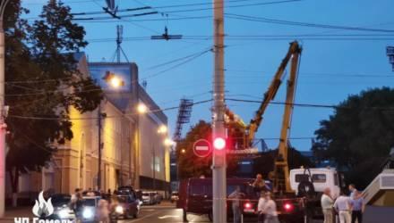 """Дрифта на """"танке"""" больше не будет? В Гомеле на площади Восстания и Советской установили новые камеры видеонаблюдения"""