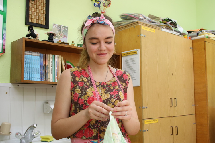 Для школьников каникулы — не только время отдыха, но и возможность заработать, участвуя в проектах вторичной занятости