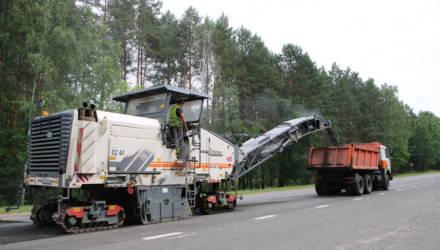В Гомельском районе ведётся ремонт участка транзитной автодороги М-8