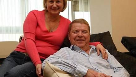 Жена Михаила Кокшенова ответила на слухи о смерти актера от COVID-19