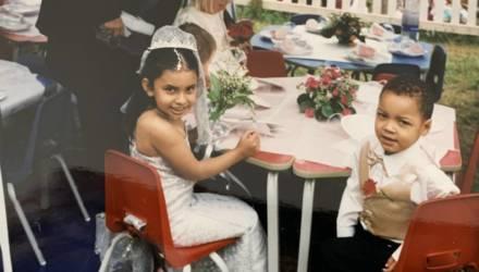 Парень признался, что не видел невесту из детства 16 лет. Но люди нашли девушку, и она настоящая красотка