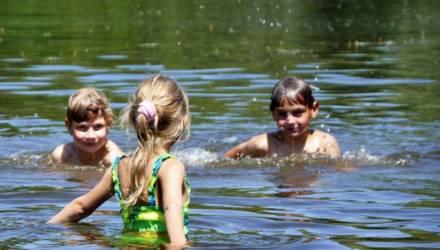 В Беларуси ограничено купание в 10 зонах отдыха, в двух - запрещено