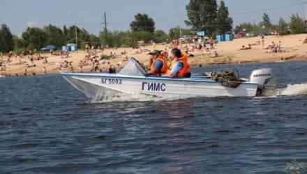 Более 15 несанкционированных мест пребывания у воды выявили работники МЧС во время рейда в Гомеле