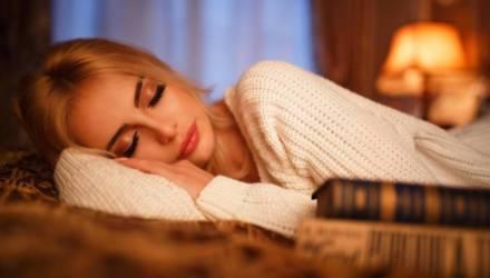 4 вещи, которые никогда не нужно делать перед сном