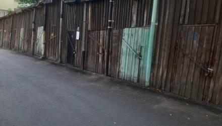Такие нужные сараи. Жители дома № 18 по улице Крестьянской в Гомеле хотят сохранить хозпостройки у себя во дворе