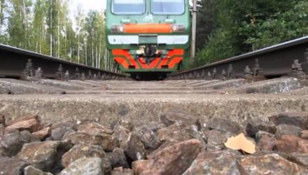 Поезд Минск — Гомель насмерть сбил человека, который стоял на путях