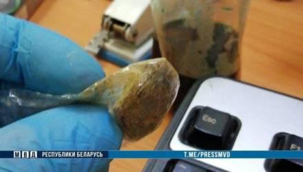 В Гомеле во время задержания наркоман угрожал ножом милиционерам