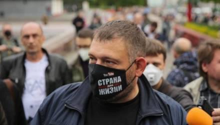 При обыске на даче у гомельского блогера Сергея Тихановского нашли 900 тысяч долларов (фото, видео)