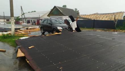 Сносило крыши, вырывало с корнем деревья. По Рогачёву прошлась непогода